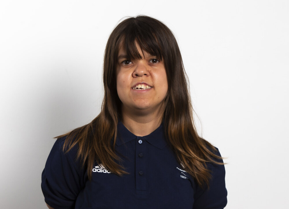 Portrait of the para powerlifter Zoe Newson by ©ParalympicGB
